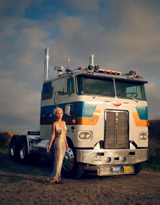 "San Diego 1979 Peterbilt ""Class"" Treatment 